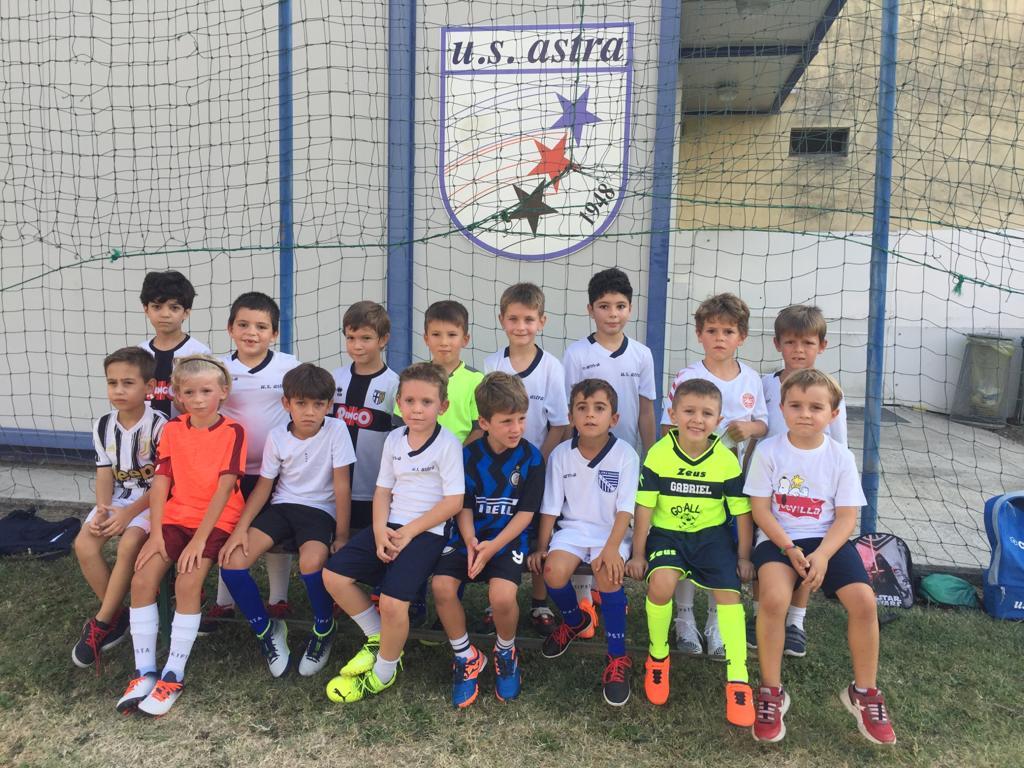 E' iniziata la scuola calcio!!!! Giocare per diventare grandi!!!!